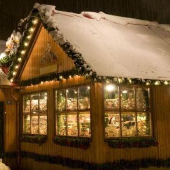 Weihnachtsdeko an Haus